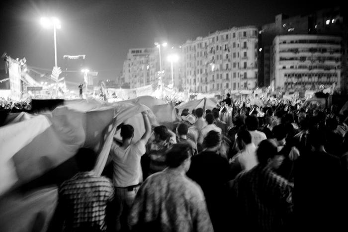la tension en Egypte, une partie des Islamistes attaquent la révolution place Tahrir dans Egypte a1297_28724_nm0HUX_700