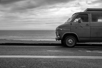Sportvan - Black and White
