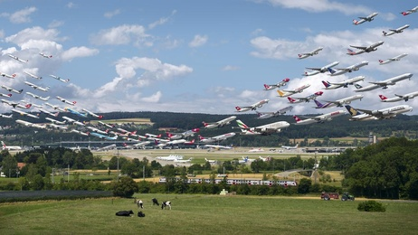 Zurich Airport 28 and 16 (Visual Separation)
