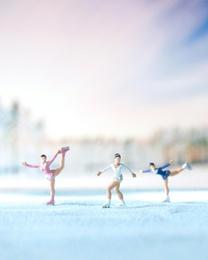 Pixi Ice Skaters