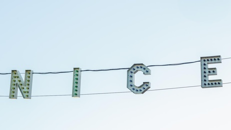 Ve-NICE Sign