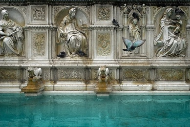 Fountain Siena