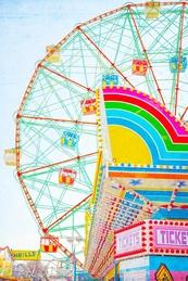 Ferris Wheel Thrills